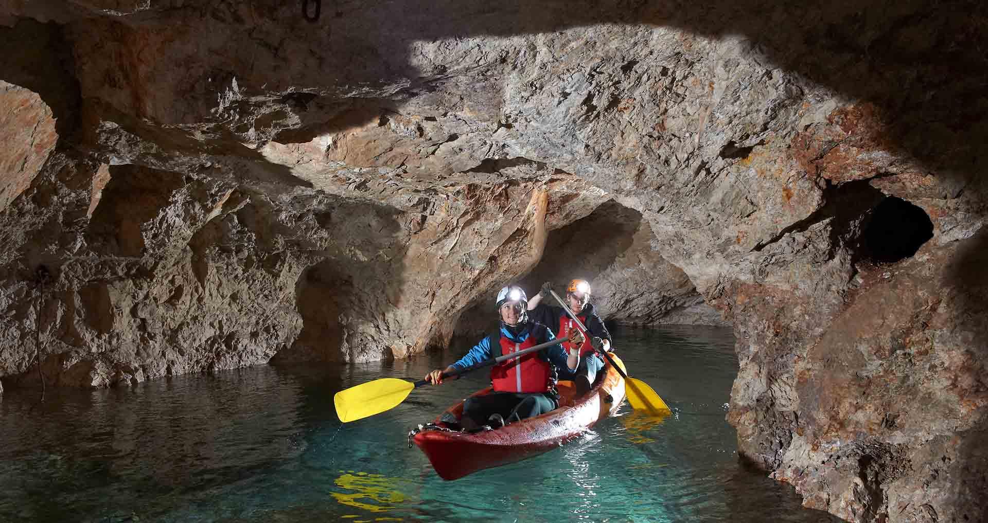 kayak in grotta in koroska