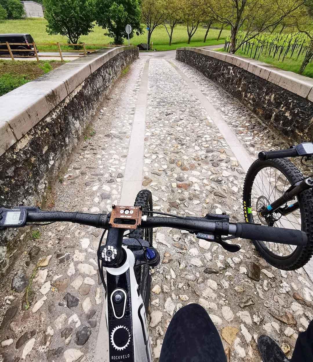escursione in bicicletta in Slovenia nella regione di vipava