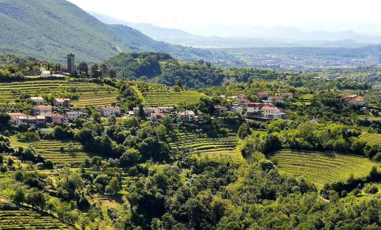 viaggio nella slovenia sud-occidentale panorama sloveno con vista sull'Italia